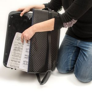 accordion luxury squared carbon case sequence 0