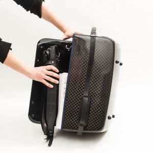 Accordion luxury squared carbon case sequence 1