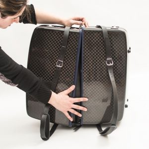 accordion luxury squared carbon case sequence 3