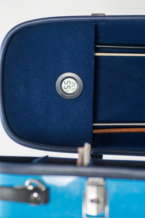 violin glass fibre case turquoise thermometer detail