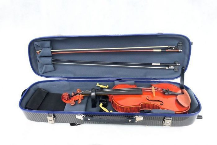 Lumasuite carbon violin case opened with violin